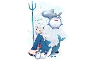 Rating: Safe Score: 45 Tags: aliasing amashiro_natsuki blue_eyes gawr_gura gray_hair hololive hoodie long_hair tail twintails weapon white User: otaku_emmy