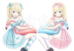 Rating: Safe Score: 27 Tags: alice_in_wonderland alice_(wonderland) animal aqua_eyes bird blonde_hair blush bow braids collar gloves kneehighs lolita_fashion long_hair mullpull original pantyhose ribbons white wristwear User: otaku_emmy