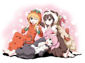 Rating: Safe Score: 80 Tags: akaza_akari barefoot funami_yui pajamas sleeping toshinou_kyouko tsurukou_(tksymkw) twintails wink yoshikawa_chinatsu yuru_yuri User: opai