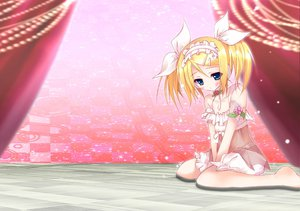 Rating: Safe Score: 57 Tags: barefoot dress headdress kagamine_rin tanishi_mitsuru twintails vocaloid User: MissBMoon