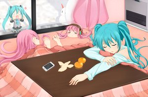Rating: Safe Score: 106 Tags: blue_hair food fruit hachune_miku hatsune_miku megurine_luka phone pink_hair sei_(6862879) sleeping takoluka vocaloid User: FormX