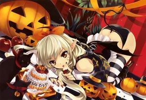 Rating: Safe Score: 149 Tags: girl's_avenue halloween misaki_kurehito scan User: mattiasc02