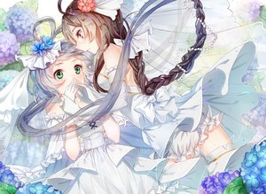 Rating: Safe Score: 35 Tags: 2girls blush brown_hair elbow_gloves gloves gray_hair green_eyes hanayome long_hair luo_tianyi twintails vocaloid vocaloid_china yuezheng_ling User: RyuZU