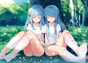 Rating: Safe Score: 98 Tags: 2girls anthropomorphism aqua_hair bloomers braids dust_(394652411) fubuki_(zhanjian_shaonu) gym_uniform kneehighs long_hair shirayuki_(zhanjian_shaonu) sleeping tree zhanjian_shaonu User: RyuZU