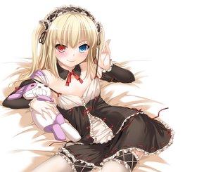 Rating: Safe Score: 269 Tags: bicolored_eyes blonde_hair boku_wa_tomodachi_ga_sukunai goth-loli hasegawa_kobato loli lolita_fashion nakajima_yuka thighhighs white User: Wiresetc
