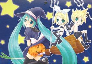Rating: Safe Score: 28 Tags: halloween hatsune_miku kagamine_len kagamine_rin male pumpkin vocaloid User: 秀悟