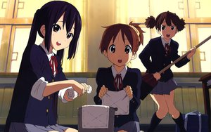 Rating: Safe Score: 54 Tags: 3girls black_hair brown_eyes brown_hair hirasawa_ui horiguchi_yukiko k-on! long_hair nakano_azusa purple_eyes red_eyes seifuku short_hair suzuki_jun User: meccrain