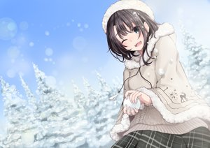 Rating: Safe Score: 66 Tags: black_hair blue_eyes cape fuu_(fuore) hat original short_hair snow wink User: RyuZU