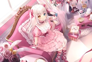 Rating: Safe Score: 93 Tags: aliasing bicolored_eyes cake couch feathers flowers food kagura_mea kagura_mea_channel lolita_fashion long_hair momoshiki_tsubaki rose white_hair User: BattlequeenYume