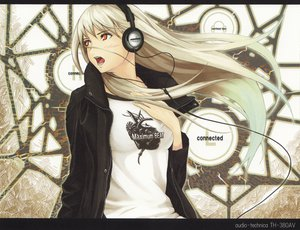 Rating: Safe Score: 100 Tags: blush headphones long_hair music tenka_sanbun white_hair User: Tensa