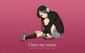 Rating: Safe Score: 119 Tags: akiyama_mio black_eyes black_hair headphones k-on! kneehighs long_hair pink seifuku skirt User: Mund
