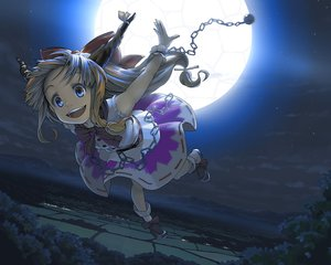 Rating: Safe Score: 123 Tags: bow chain dress horns ibuki_suika jpeg_artifacts kurou_(crow) moon night sky touhou User: opai