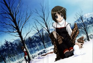 Rating: Safe Score: 17 Tags: kanon misaka_kaori misaka_shiori school_uniform snow snowman thighhighs winter User: Oyashiro-sama