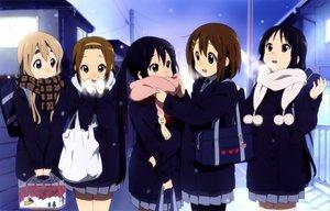Rating: Safe Score: 85 Tags: akiyama_mio black_hair brown_hair headband hirasawa_yui k-on! kotobuki_tsumugi nakano_azusa pantyhose scarf seifuku snow tainaka_ritsu User: Daniel_92