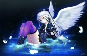Rating: Safe Score: 126 Tags: boots bow feathers goth-loli green_eyes lolita_fashion quiz_rpg:_world_of_mystic_wiz thighhighs water white_hair wings yuitsuki1206 User: FormX