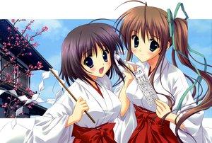 Rating: Safe Score: 28 Tags: 2girls akane_iro_ni_somaru_saka blush japanese_clothes miko ryohka scan User: 秀悟