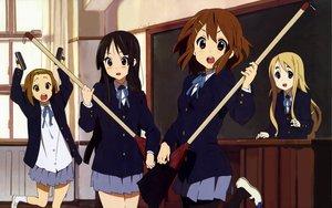 Rating: Safe Score: 31 Tags: akiyama_mio hirasawa_yui k-on! kotobuki_tsumugi tainaka_ritsu User: pantu