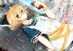 Rating: Safe Score: 111 Tags: blonde_hair bow dress glasses headphones kurodani_yamame necklace nmaaaaa touhou User: opai