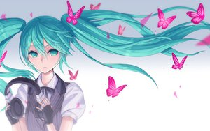 Rating: Safe Score: 127 Tags: butterfly close green_eyes green_hair hatsune_miku headphones jpeg_artifacts long_hair nidy-2d- vocaloid User: megaki11
