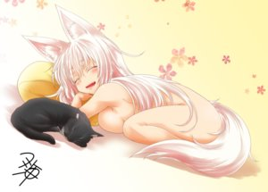 Rating: Questionable Score: 56 Tags: animal animal_ears breasts cat foxgirl gradient long_hair nude original signed sleeping tail white_hair yua_(checkmate) User: luckyluna