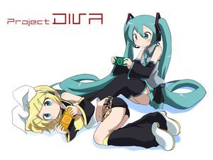 Rating: Safe Score: 55 Tags: 2girls game_console hatsune_miku kagamine_rin massala project_diva vocaloid white User: keke