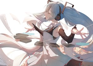 Rating: Safe Score: 45 Tags: blue_hair hatsune_miku headphones paper taka_(0taka) vocaloid User: FormX