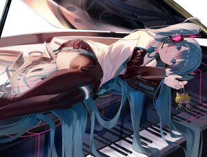 Rating: Safe Score: 92 Tags: boots ei_(tndusdldu) hatsune_miku headphones instrument kagamine_len kagamine_rin long_hair piano reflection skirt thighhighs tie twintails vocaloid User: BattlequeenYume