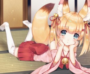 Rating: Safe Score: 49 Tags: animal_ears bell blonde_hair blue_eyes bow foxgirl japanese_clothes kemomimi_vr_channel loli long_hair nekomasu_(kemomimi_vr_channel) skirt tagme_(artist) tail thighhighs twintails User: BattlequeenYume
