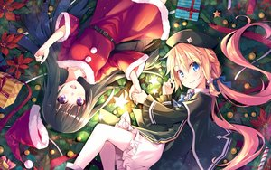 Rating: Safe Score: 140 Tags: 2girls black_hair blonde_hair blue_eyes bow cape christmas dress hat hika_(cross-angel) long_hair magi_in_wanchin_basilica purple_eyes santa_costume santa_hat twintails xiao_ma User: Flandre93
