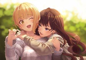 Rating: Safe Score: 111 Tags: 2girls blonde_hair blue_eyes blush brown_hair cat_smile green_eyes hug ichinose_shiki idolmaster idolmaster_cinderella_girls long_hair miyamoto_frederica short_hair shoujo_ai terumii User: otaku_emmy