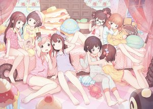 Rating: Questionable Score: 383 Tags: barefoot bow brown_eyes cake candy food glasses group hat headband henreader loli long_hair nopan original pajamas short_hair shoujo_ai teddy_bear User: RyuZU