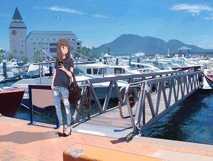Rating: Safe Score: 54 Tags: animal bird boat brown_hair building jpeg_artifacts long_hair original sakeharasu scenic water User: RyuZU