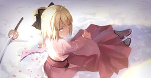Rating: Safe Score: 136 Tags: blonde_hair boots bow fate/grand_order fate_(series) hei_tong_shi japanese_clothes katana okita_souji_(fate) short_hair sword weapon yellow_eyes User: Flandre93