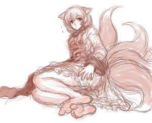 Rating: Safe Score: 52 Tags: animal_ears barefoot blush foxgirl hat kuro_suto_sukii multiple_tails short_hair sketch tail touhou yakumo_ran User: PAIIS