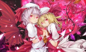 Rating: Safe Score: 92 Tags: dress flandre_scarlet hat moon ogipote red_eyes remilia_scarlet touhou vampire wings User: opai
