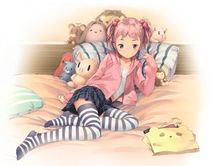 Rating: Safe Score: 182 Tags: bed hoodie loli original pink_hair popobobo purple_eyes short_hair skirt thighhighs twintails User: Flandre93