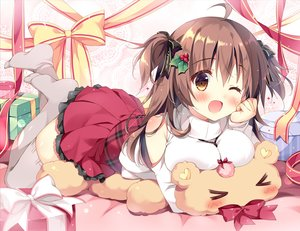Rating: Safe Score: 51 Tags: blush bow breasts brown_eyes brown_hair christmas long_hair original pan_(mimi) ribbons skirt teddy_bear thighhighs twintails waifu2x wink User: RyuZU