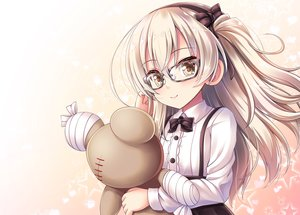 Rating: Safe Score: 75 Tags: akashio girls_und_panzer glasses shimada_arisu teddy_bear User: luckyluna