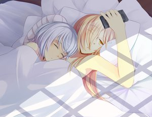 Rating: Safe Score: 134 Tags: 2girls bandage bed binbougami_ga blonde_hair gray_hair hinagi_(fox_priest) momiji phone sakura_ichiko sleeping tagme yuri User: opai