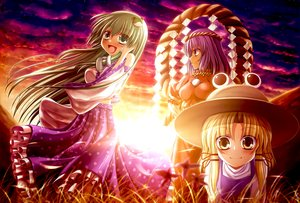 Rating: Safe Score: 32 Tags: blonde_hair grass green_eyes green_hair hat hatomura_(tareneko_club) japanese_clothes kochiya_sanae long_hair miko moriya_suwako purple_hair red_eyes rope short_hair sunset touhou yasaka_kanako yellow_eyes User: C4R10Z123GT