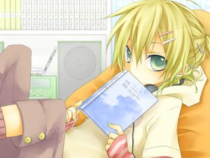 Rating: Safe Score: 23 Tags: aliasing all_male blonde_hair book green_eyes headphones kagamine_len kuroi_(liar-player) male ponytail short_hair vocaloid User: MissBMoon