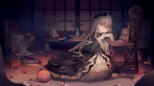 Rating: Safe Score: 87 Tags: ball bow dark dress flowers ghost_belle_&_haunted_mansion goth-loli gray_hair headband lolita_fashion long_hair no.18 petals phone rose teddy_bear yellow_eyes yu-gi-oh User: otaku_emmy