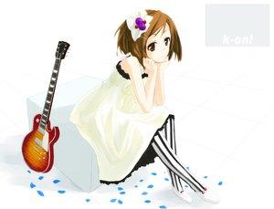 Rating: Safe Score: 27 Tags: guitar hirasawa_yui instrument k-on! white User: HawthorneKitty