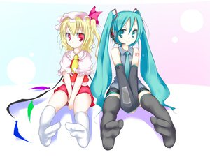 Rating: Safe Score: 66 Tags: 2girls aqua_hair blonde_hair crossover flandre_scarlet hatsune_miku red_eyes socks thighhighs touhou twintails vampire vocaloid wings User: Oyashiro-sama