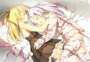 Rating: Safe Score: 209 Tags: blush boku_wa_tomodachi_ga_sukunai fang garter hasegawa_kobato kantoku loli lolita_fashion pajamas sleeping takayama_maria teddy_bear User: Wiresetc