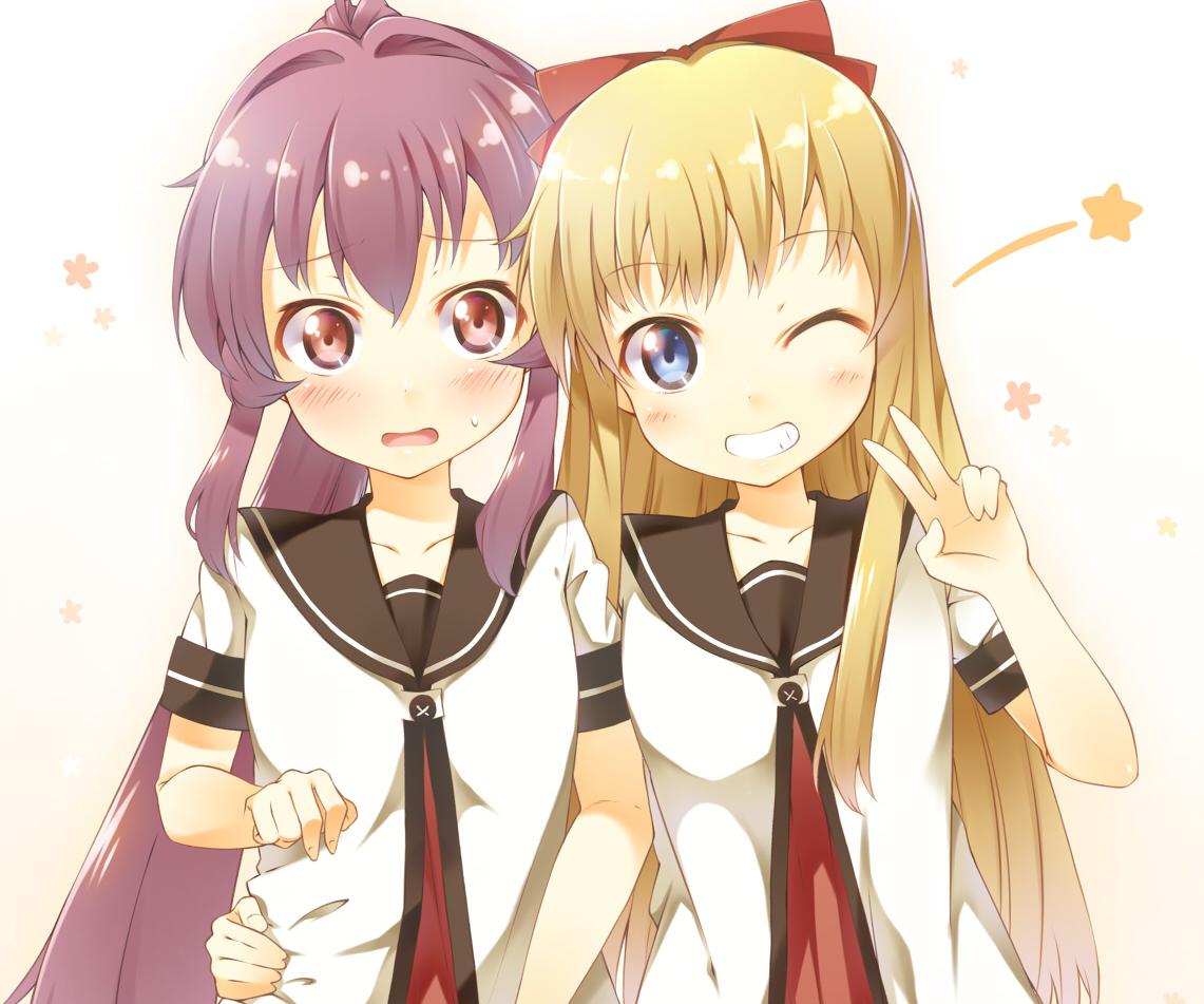2girls blonde_hair blue_eyes cropped ichi_makoto long_hair ponytail purple_hair red_eyes school_uniform sugiura_ayano toshinou_kyouko wink yuru_yuri