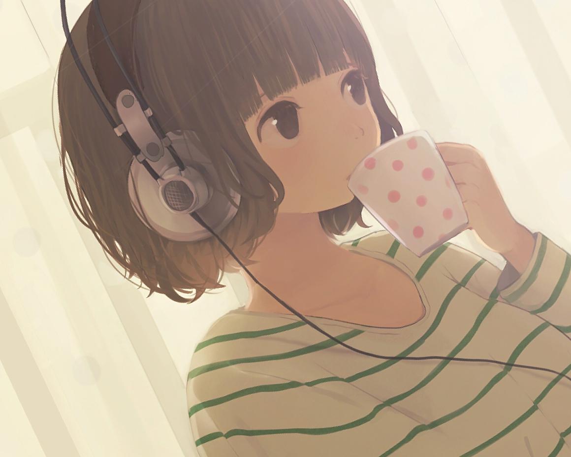 brown_eyes brown_hair close drink headphones hinata_(lipcream) original short_hair waifu2x