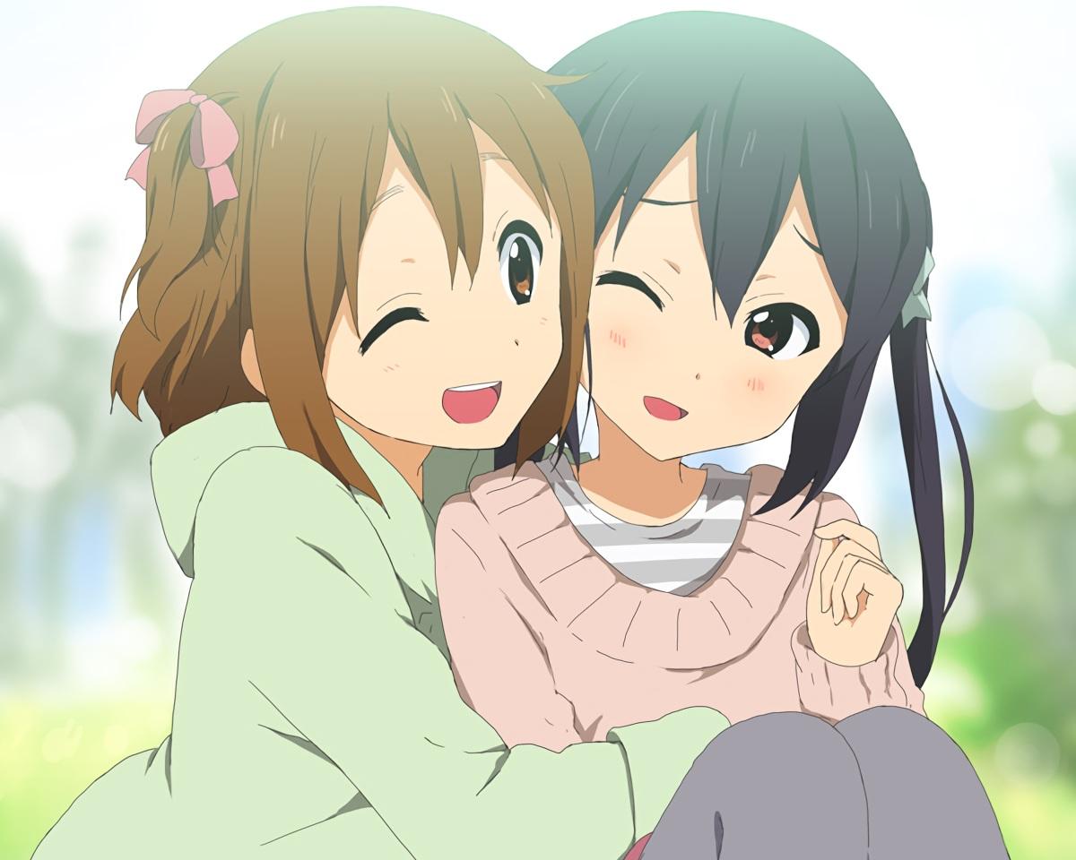 2girls black_hair brown_eyes brown_hair cropped hirasawa_yui hug kisuke_(akutamu) k-on! nakano_azusa short_hair twintails waifu2x wink