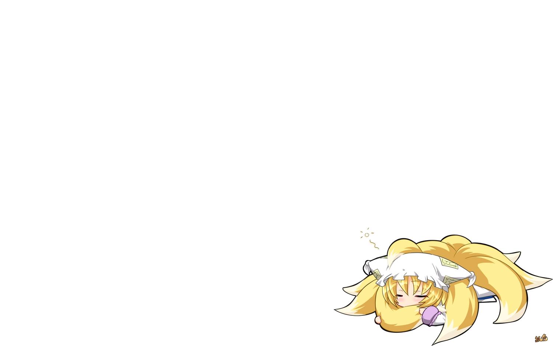 animal_ears blonde_hair chibi foxgirl hat kazami_karasu multiple_tails short_hair sleeping tail touhou white yakumo_ran