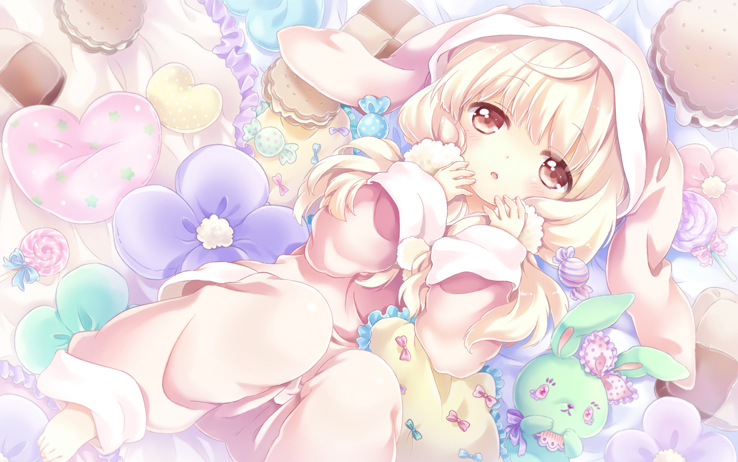 blonde_hair cafe_sourire candy kona loli ogiwara_kyouko pajamas